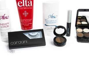 makeup and false eyelashes for cancer and hair loss